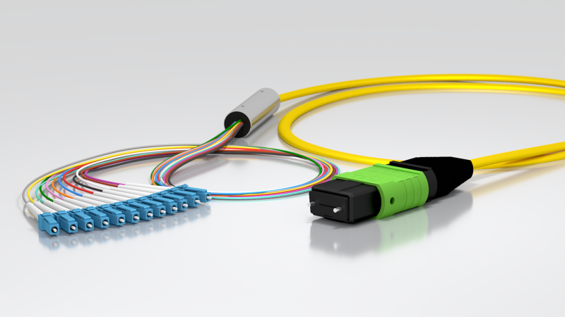 Optical cable assemblies with multifiber connectors